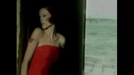 Превод Sophie Ellis Bextor - Catch You