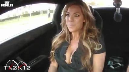 Секси Блондинка в Lamborghini Racing