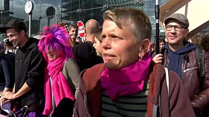 Germany: Arrests as pro-life supporters met with counter-protest in Berlin