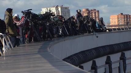 Russia: Huge Soviet Victory Banner unfurled on Poklonnaya Hill