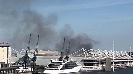UK: Blaze breaks out near temporary NHS hospital in London