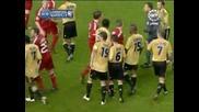Играчите на Марсилия и Ливърпул си разменят удари