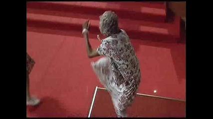 Баби Танцуват break dance