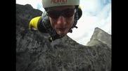 Какво е усещането да скочиш с парашут