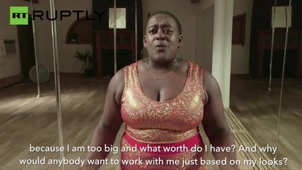 Тази жена разби клишето за фитнес инструктор и танцьорка на пилон