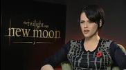 Twilight - Kristen Stewart talks to Steve Jones