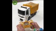 Кой би си помислил че камион с дистанционно може да се яде