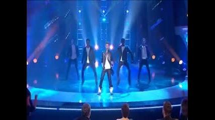 Justin Bieber пее Boyfriend на живо в Австралия търси талант