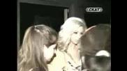 Андреа Псува И се Бие с Репотрерката На Сигнално Жълто