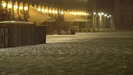 Italy: Venice flooded by record-high tide in 50 years