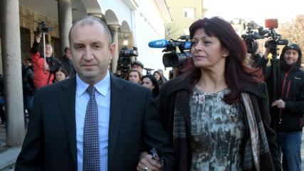 Румен Радев се закле, влезе в Народното събрание с първата дама