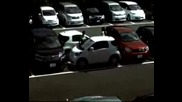 Ето Как Се Паркирват 2 Коли На Парко Място Предназначено За 1 Ко
