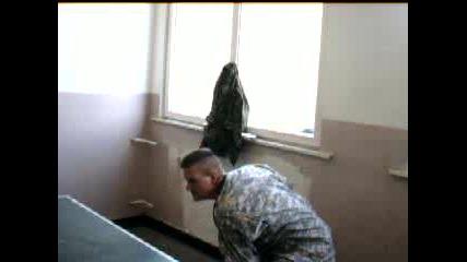 Военни Играят Тенис На Маса