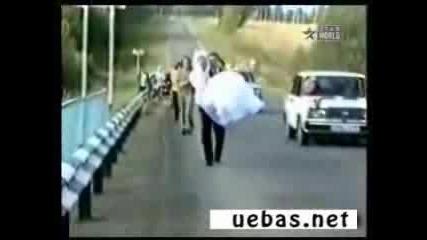 Ужасна катастрофа в сватбен ден