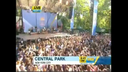 Demi Lovato & The Jonas Brothers - Cant Back Down Live