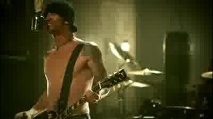Godsmack - Cryin Like A Bitch