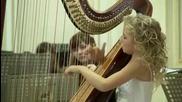 """Едно 11-годишно момиче изпълнява божествено песента """"the Fountain"""" на арфа"""