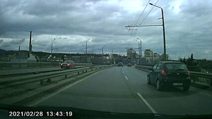Автомобил замърсител