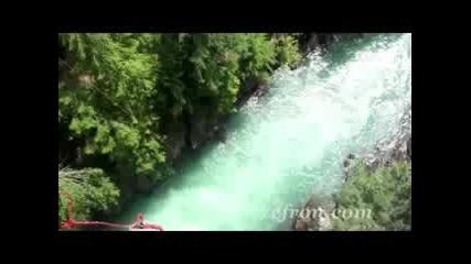 Zac Efron - Bungee Jumping