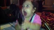 Бебе реагира на dubstep