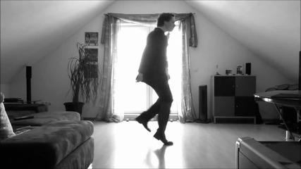 Мъж танцува супер , да ти е гот да го гледаш