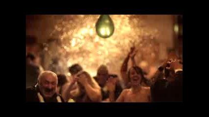 Реклама На Schweppes - Спукване На Балони