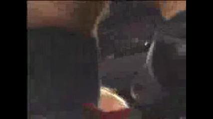 Wwe Рей Мистерио сваля маската си!