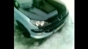 Грозно Peugeot 206 с гаден звук :))