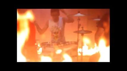 Тома и Били Хлапето - Сам на света | Официално видео (2011) + Субс =]