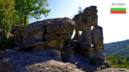 Чудесата на природата - Пробитата скала край Стоманци