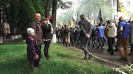 Ukraine: Far-right Azov Battalion march to Rada as 'warning' to gov.