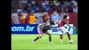 Вижте как Роналдиньо овладява топката