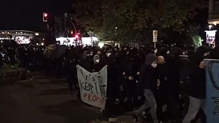 Germany: Thousands of Antifa march through Berlin following Kopi police op