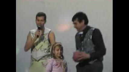 Младен Коцев Жонглира Топки В Х. Димово