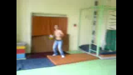 Футбол в училищен салон - еп. 4