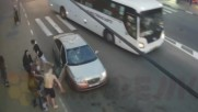 Луд човек чупи кола