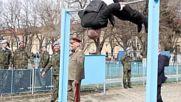 Румен Радев демонстрира атлетични умения