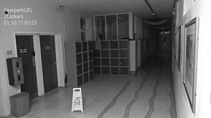 Дух, уловен от камера за наблюдение