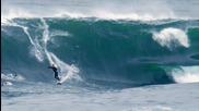 Колко може да бъде опасно карането на сърф в бурно море. - Доказващо Видео
