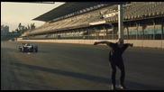 Мъж прескача болид на Формула Е със задно салто!