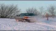 Audi 80 quattro im Schnee - das ist artgerechte Haltung ; - )