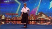 Малка чаровница изуми журито и публиката със своите самурайски умения - Britain's Got Talent 201