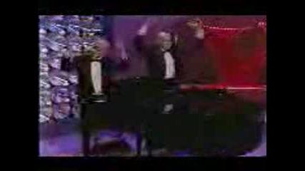 Идиоти Свират На Пиано