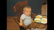 Куче Стряска Заспало Бебе Смях :)