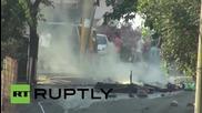 Турция: Полицията в Истанбул се бори с размирници със сълзотворен газ и водни оръдия