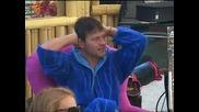 Орлин се е разпял по халат - пее народни песни - Vip Brother 30.10.12