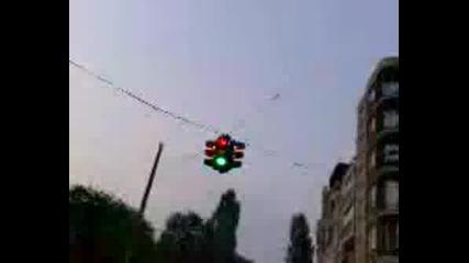 Побъркан Светофар В Слатина