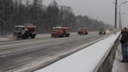 Как чистят сняг в Русия! - Уборка снега на Мкад в Москве