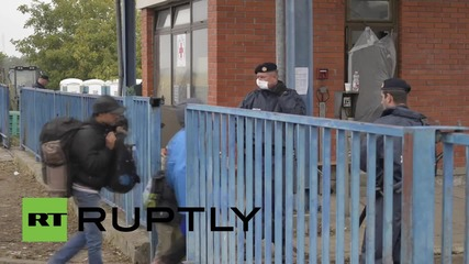Croatia: Exhausted refugees continue to arrive at Opatovac refugee camp