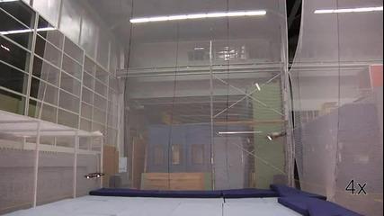 летящи роботи играят тенис
